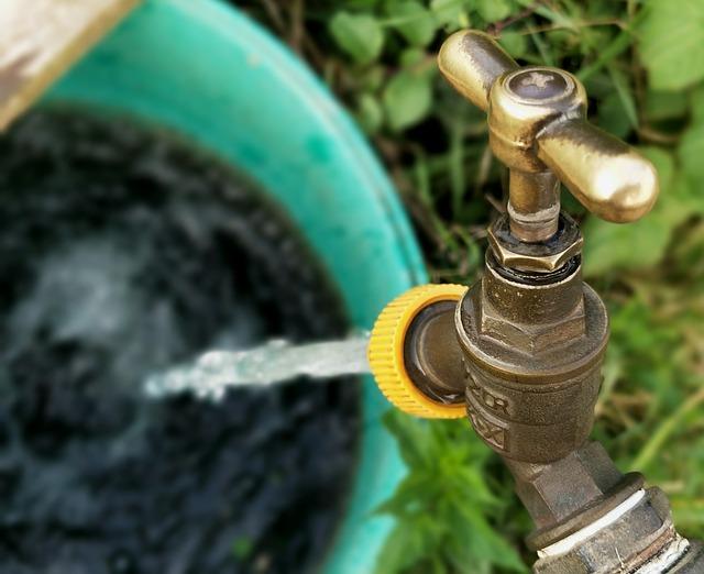 עצות לחסכון בהוצאות מים וביוב ובקרה על מערכת המים למניעת בזבוז והוצאות